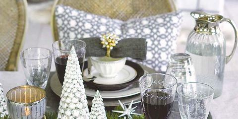 Serveware, Dishware, Drinkware, Glass, Tableware, Table, White, Tablecloth, Porcelain, Furniture,