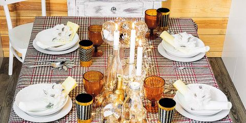 Tablecloth, Meal, Table, Textile, Brunch, Linens, Breakfast, Food, Tableware, Dish,