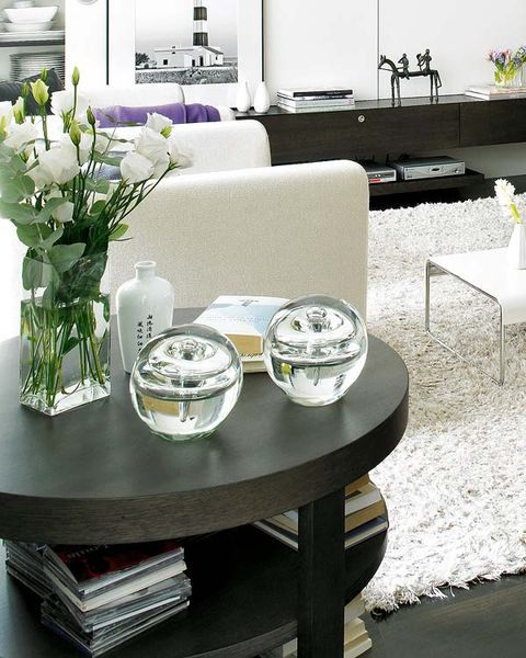 Room, Table, Furniture, White, Interior design, Dishware, Bouquet, Couch, Serveware, Coffee table,