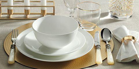 Dishware, Porcelain, Tableware, Dinnerware set, Serveware, Plate, Cutlery, Saucer, Tea set, Table,