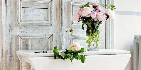 White, Floor, Petal, Bouquet, Cut flowers, Interior design, Flower Arranging, Composite material, Artificial flower, Floral design,
