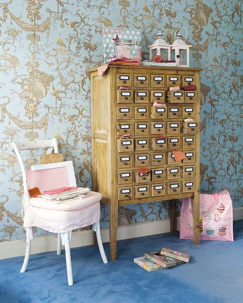Wood, Drawer, Cabinetry, Hardwood, Chest of drawers, Wood stain, Peach, Chiffonier, Wallpaper, Dresser,