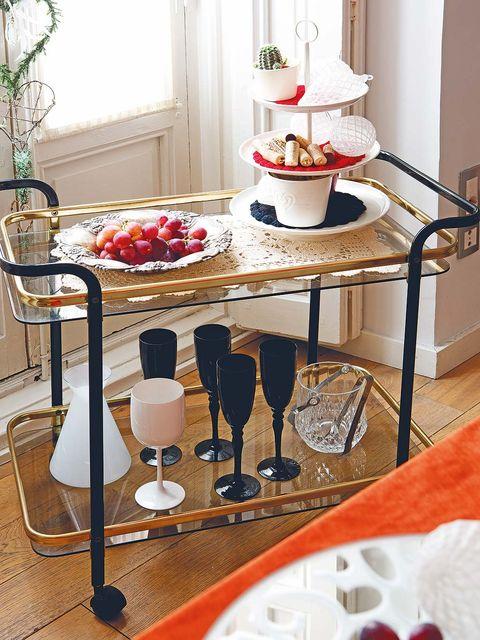 Room, Interior design, Serveware, Dishware, Table, Furniture, Glass, Interior design, Stemware, House,