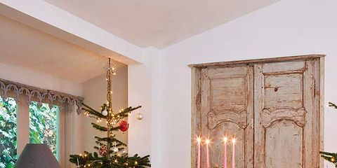 Wood, Lighting, Room, Interior design, Furniture, Flooring, Floor, Wood flooring, Interior design, Christmas decoration,