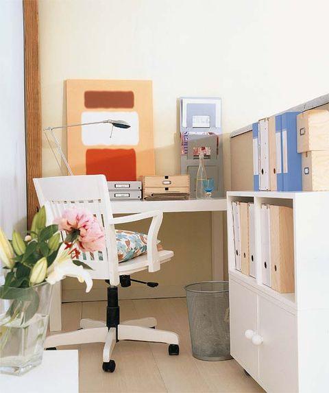 Product, Room, Interior design, Petal, Bouquet, Floor, Interior design, Cabinetry, Drawer, Cut flowers,