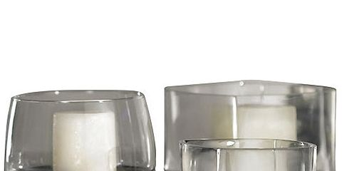 Glass, Liquid, Drinkware, Transparent material, Serveware, Old fashioned glass, Still life photography, Cylinder, Highball glass, Silver,