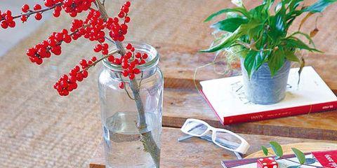 Artifact, Vase, Interior design, Cut flowers, Centrepiece, Flower Arranging, Flowerpot, Artificial flower, Still life photography, Floral design,