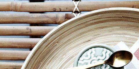 Wood, Dishware, Hardwood, Petal, Kitchen utensil, Serveware, Lumber, Plate, Home accessories, Wood stain,