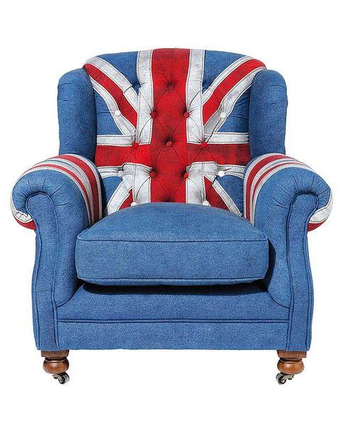 sillón azul con bandera inglesa