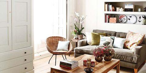 Wood, Room, Interior design, Living room, Flooring, Floor, Home, Table, Furniture, Wall,