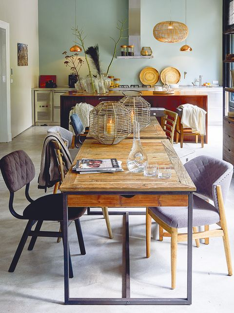 Furniture, Room, Table, Dining room, Interior design, Chair, Building, House, Floor, Windsor chair,