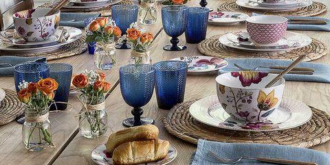 Meal, Brunch, Porcelain, Lavender, Tableware, Teacup, Table, Blue and white porcelain, Dishware, Serveware,