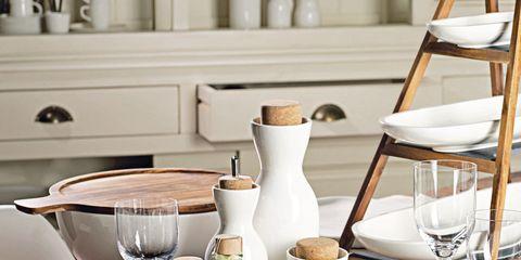 Serveware, Dishware, White, Room, Porcelain, Tableware, Furniture, Ceramic, Glass, Drinkware,