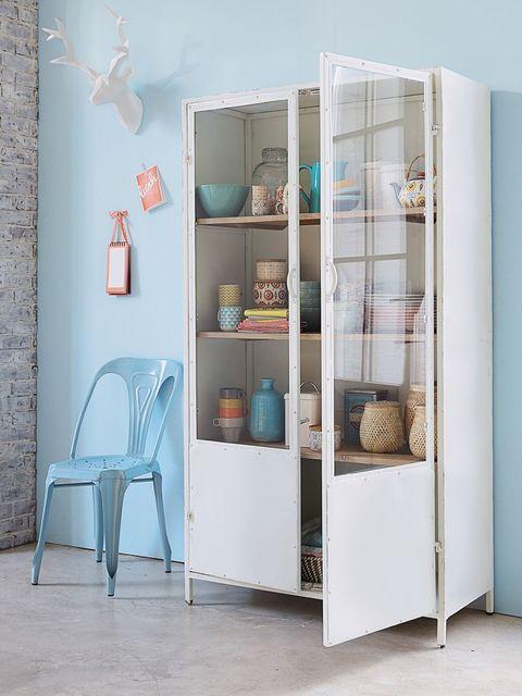 Room, Wall, Floor, Shelving, Teal, Furniture, Turquoise, Aqua, Flooring, Chair,