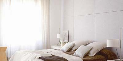 Room, Wood, Interior design, Bed, Floor, Property, Wall, Flooring, Textile, Bedroom,