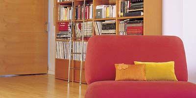 Wood, Floor, Brown, Room, Flooring, Interior design, Hardwood, Property, Shelf, Wall,