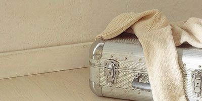 Product, White, Bag, Fashion accessory, Shoulder bag, Luggage and bags, Beige, Tan, Khaki, Material property,