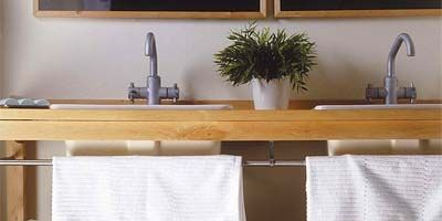 Tap, Plumbing fixture, Home accessories, Sink, Interior design, Basket, Bag, Wicker, Houseplant, Household supply,