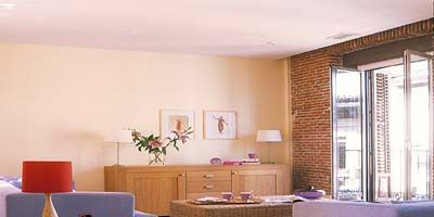 Room, Floor, Interior design, Flooring, Wood, Property, Wall, Furniture, Home, Ceiling,