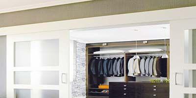 Floor, Wood, Property, Flooring, Room, Closet, Interior design, Clothes hanger, Wood flooring, Laminate flooring,