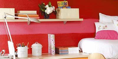 Room, Interior design, Interior design, Pillow, Linens, Bedding, Home, Home accessories, Desk, Bed sheet,