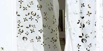 Textile, White, Petal, Interior design, Linens, Pattern, Interior design, Wallpaper, Floristry, Floral design,