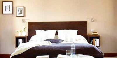 Room, Floor, Bed, Interior design, Wood, Property, Wall, Flooring, Bedding, Textile,