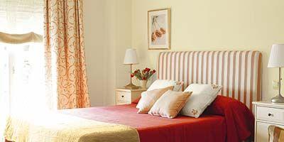 Interior design, Room, Floor, Wood, Flooring, Bed, Property, Bedding, Wall, Textile,
