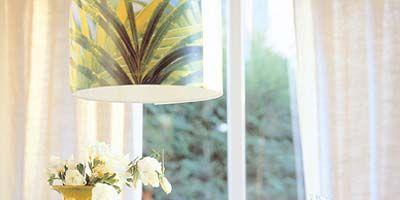 Glass, Interior design, Room, Serveware, Dishware, Interior design, Amber, Flowerpot, Drinkware, Centrepiece,