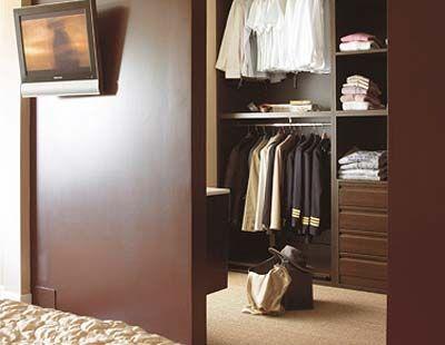 Vestidor y cuarto de plancha