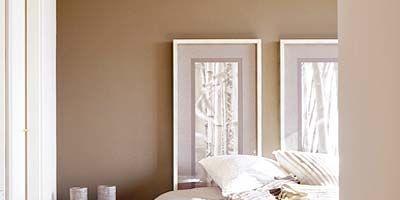 Bed, Wood, Room, Interior design, Property, Bedding, Floor, Bedroom, Textile, Wall,