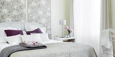 Room, Interior design, Bed, Property, Bedding, Textile, Linens, Bedroom, Wall, Bed sheet,