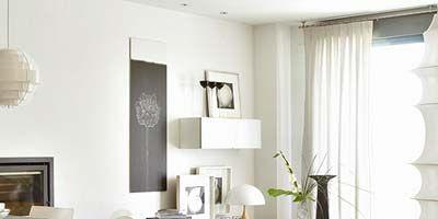 Room, Floor, Interior design, Flooring, Property, Living room, Home, Table, Wall, Furniture,