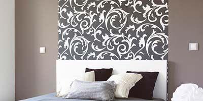 Bed, Room, Interior design, Floor, Bedding, Property, Wall, Textile, Bedroom, Photograph,