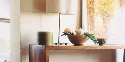 Wood, Room, Wood stain, Flowerpot, Interior design, Interior design, Hardwood, Artifact, Plywood, Vase,
