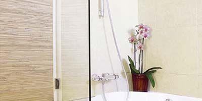 Wood, Product, Room, Property, Wall, Hardwood, Floor, Wood stain, Petal, Flower,