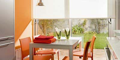 Mesa y sillas para la cocina