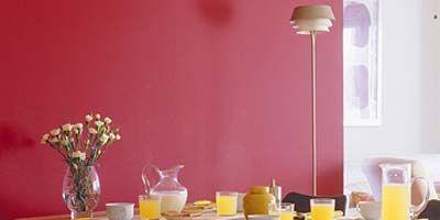 Yellow, Room, Serveware, Table, Furniture, Tablecloth, Dishware, Glass, Interior design, Drinkware,