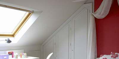 Room, Interior design, Bed, Property, Wall, Bedding, Textile, Furniture, Home, Bedroom,