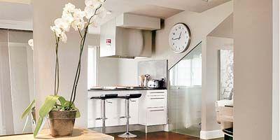 Wood, Room, Floor, Flooring, Interior design, Property, Countertop, White, Interior design, Laminate flooring,