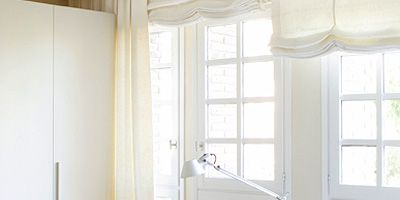 Room, Wood, Interior design, Glass, Table, Daylighting, Interior design, House, Fixture, Window treatment,