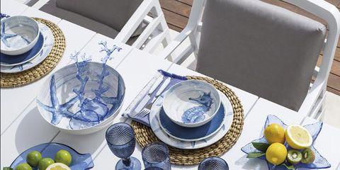 Porcelain, Blue and white porcelain, Dishware, Dinnerware set, Cobalt blue, Plate, Platter, Blue, Tableware, Tablecloth,