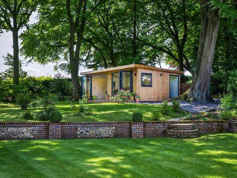 Plant, Garden, Landscape, House, Land lot, Real estate, Lawn, Backyard, Home, Yard,