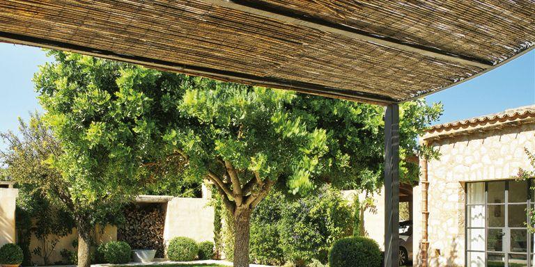 Descubre las claves para decorar bien terrazas porches y for Decoracion exterior jardin contemporaneo