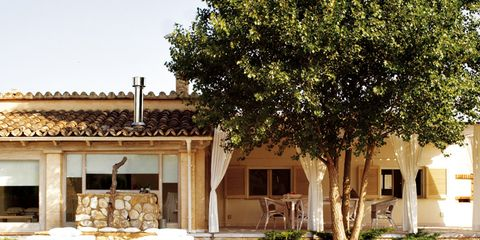 Real estate, Wicker, Shade, Home, Home accessories, Swimming pool, Storage basket, Basket, Resort, Courtyard,
