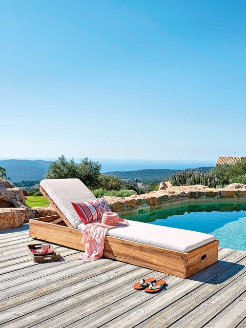 Outdoor furniture, Sunlounger, Property, Furniture, Swimming pool, Chaise longue, Vacation, Azure, Summer, Table,