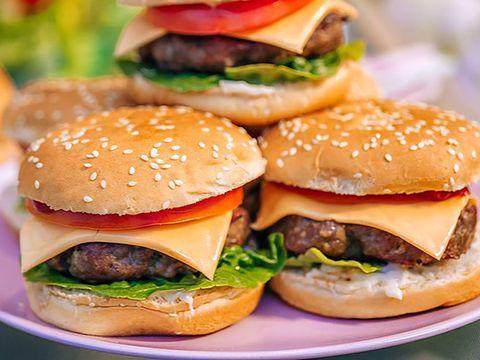 Dish, Food, Hamburger, Fast food, Junk food, Cuisine, Cheeseburger, Ingredient, Buffalo burger, Veggie burger,