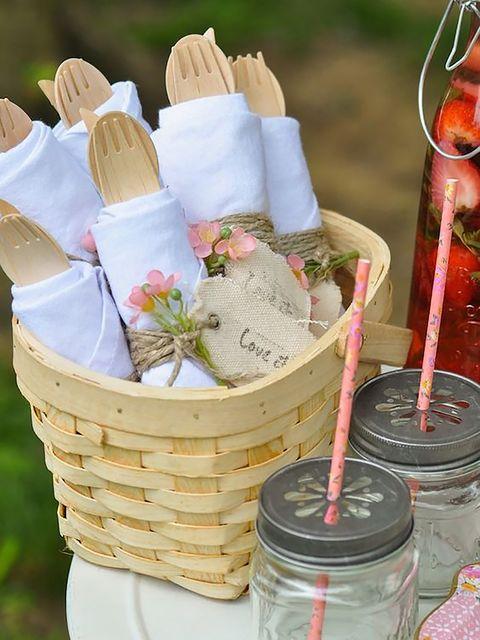 presentación de cubiertos de picnic
