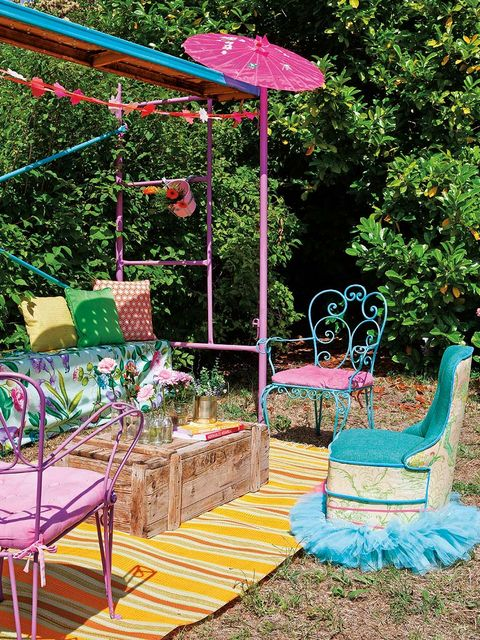 Garden, Teal, Aqua, Outdoor furniture, Backyard, Shade, Outdoor table, Yard, Patio, Outdoor structure,