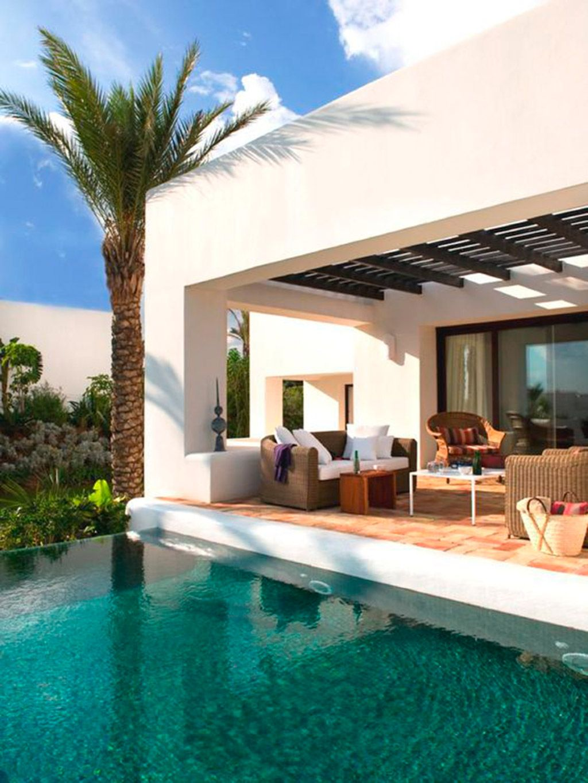 Decoracin de exteriores patios romntico piscina piscinas for Jardines minimalistas con piscina